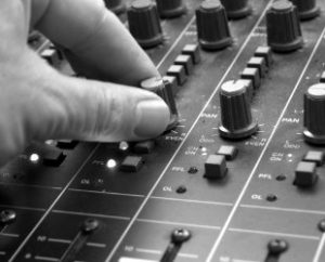 Mixing desk with hand turning knob
